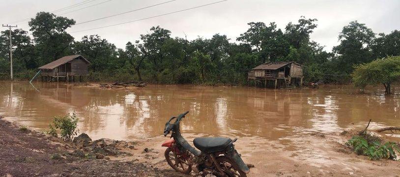 Les inondations ont touché la province d'Attapeu, au Laos.