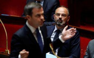 Olivier Véran, ministre de la Santé, et Edouard Philippe, Premier ministre, à l'Assemblée.