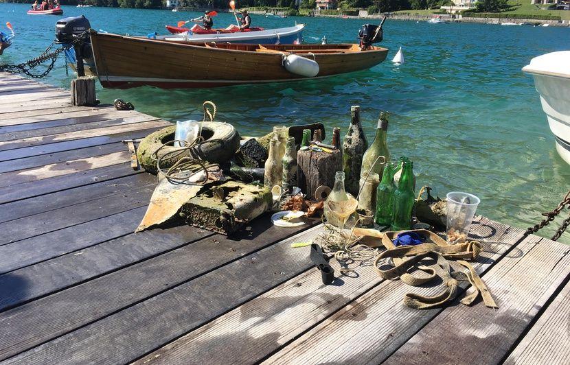 « Icleanmylake », l'initiative citoyenne d'une famille sur Instagram pour nettoyer le lac d'Annecy