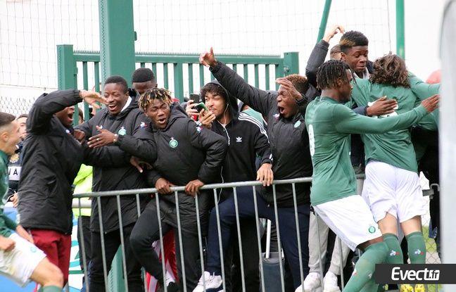 Les U19 ont célébré la qualif' pour la finale au Stade de France avec passion, le 7 avril contre Bordeaux.