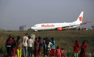 L'avion de la compagnie malaisienne Malindo Airlines a fait une sortie de piste à l'aéroport de Katmandou, le 20 avril 2018.