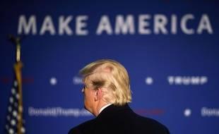 Le républicain Donald Trump dans le New Hampshire, le 8 février 2016.