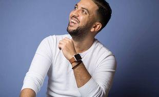 L'humoriste lyonnais Jhon Rachid a franchi la barre du million d'abonnés sur Youtube.