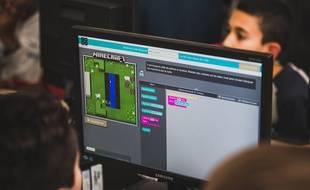 La semaine Hour of Code, du 5 au 11 décembre, est l'une des initiatives dédiées à sensibiliser les enfants à la programmation