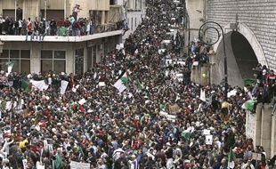 Une marée humaine a défile le 8 mars 2019 à Alger contre un cinquième mandat d'Abdelaziz Bouteflika.
