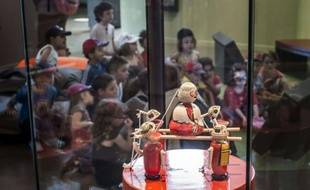 Poupées antiques, toboggans Smoby et autres toupies en bois ont retrouvé le Musée du Jouet de Moirans-en-Montagne (Jura) qui, après deux ans de travaux, propose l'une des plus belles collections de jouets d'Europe.