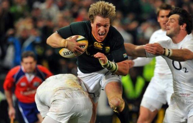 L'Afrique du Sud a opté pour la continuité, avec un seul changement par rapport au premier test gagné (22-17) la semaine dernière, pour tenter de battre à nouveau samedi (15h00 GMT) le XV d'Angleterre, qui a chamboulé ses lignes arrières, samedi à l'Ellis Park de Johannesburg