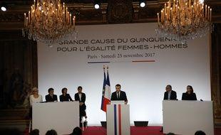Emmanuel Macron lors  de son discours à l'Elysée sur la grande cause du quinquennat pour l'égalité femmes-hommes.