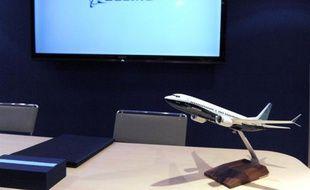 Air Canada, dont la flotte était composée à parité de Boeing et d'Airbus, vient de lâcher le constructeur européen en passant mercredi une commande de 61 Boeing 737 pour remplacer progressivement sa flotte d'Airbus A320 et A321.