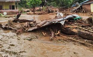 Inondations dans le district d'East Flores en Indonésie, le 4 avril 2021.