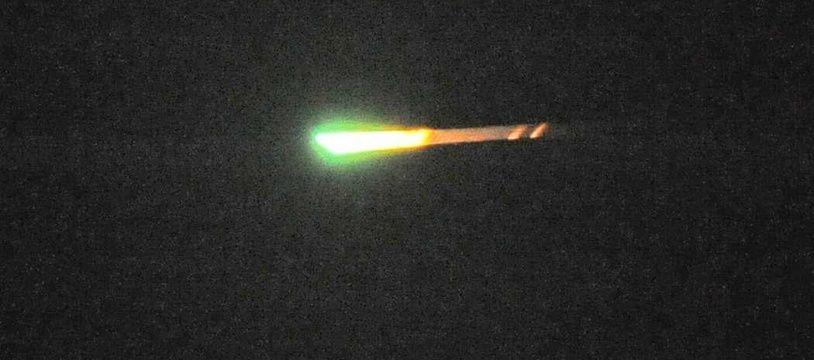 Illustration d'un météorite avant sa désintégration dans l'atmosphère.