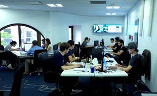 Les bureaux de l'application française Happn, du côté des développeurs.