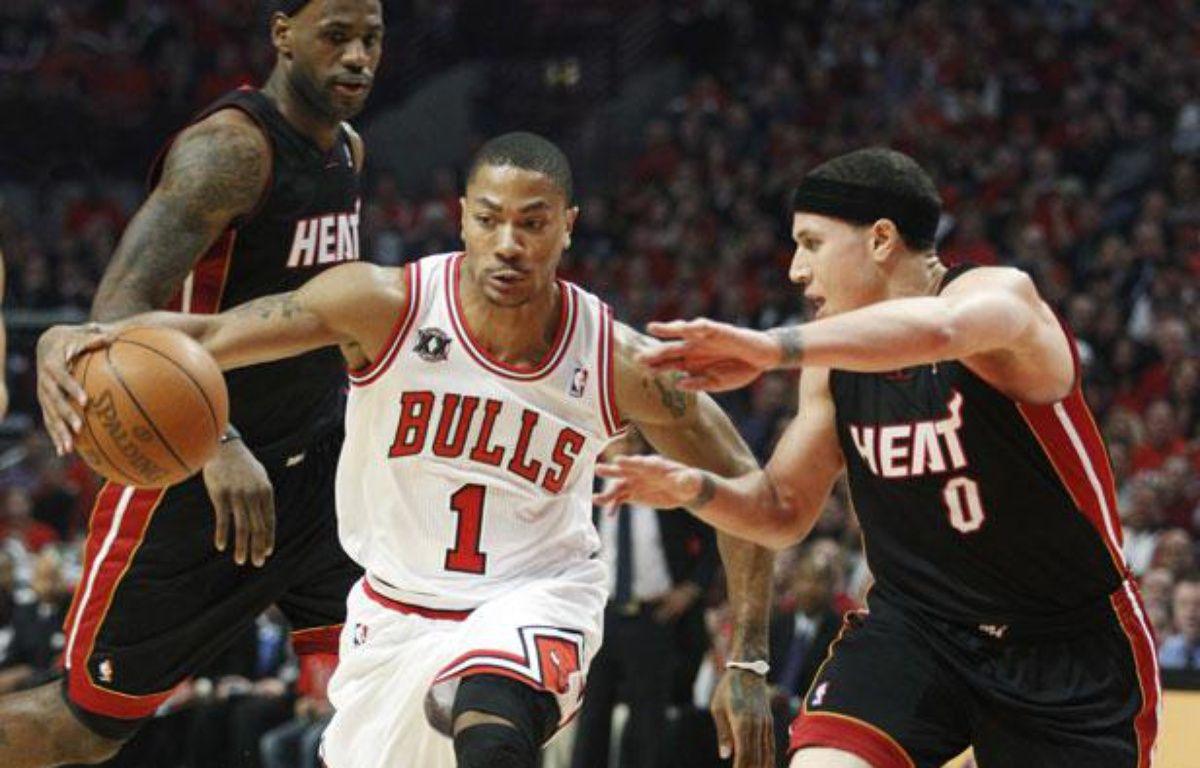 Le meneur de jeu des Chicago Bulls, Derrick Rose, lors du match 1 de la finale de la Conférence Est contre le Miami Heat, le 16 mai 2011, à Chicago. – J.HAYNES/REUTERS