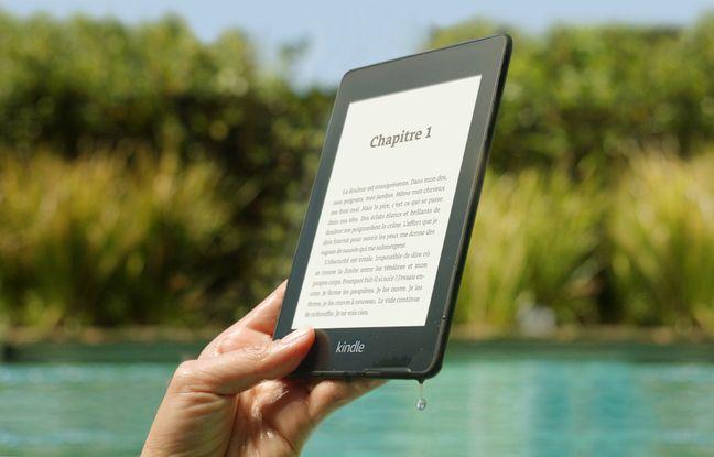 La liseuse Kindle PaperWhite ne craint pas de se mouiller.