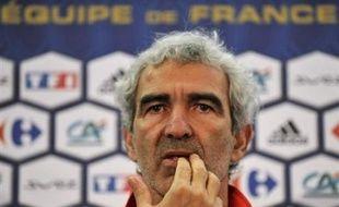 """Le sélectionneur de l'équipe de France Raymond Domenech a estimé dimanche que """"la Roumanie ressemble fortement à l'Italie, au niveau de la qualité, du talent de ses joueurs, de la discipline"""", à la veille du premier match (Gr.C) à l'Euro des Bleus à Zurich face à cet adversaire."""