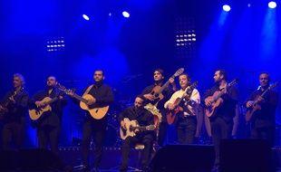Le groupe Chico et les Gypsies lors d'un concert à l'Olympia en avril 2015.