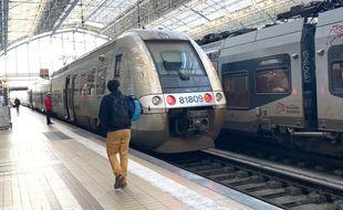 Train TER en gare de Bordeaux Saint-Jean