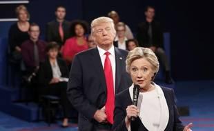 Le 9 octobre 2016 lors d'un débat entre Hillary Clinton et Donald Trump. Rick T. Wilking/Pool via AP.