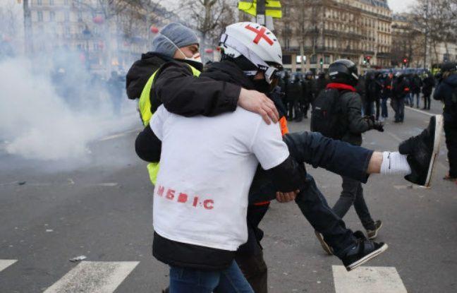 Avion d'Emiliano Sala, gendarmes visant des «street medics»... Attention aux intox de la semaine