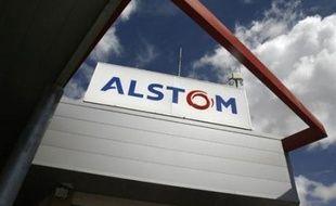 Le groupe français Alstom, à la tête d'un consortium avec Orascom (Egypte), construira une centrale électrique en Algérie pour un montant de 1,98 milliard de dollars (1,4 milliard d'euros), a annoncé mercredi la Société algérienne de l'électricité et du gaz (Sonelgaz).