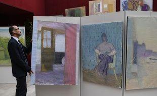 Des oeuvres de Truphémus exposées en septembre 2018 à Lyon avant leur mise aux enchères.