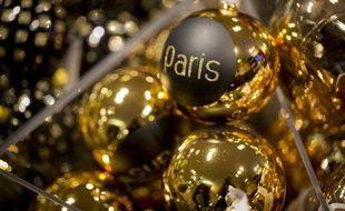 """Si la pratique consistant à revendre une partie de ses cadeaux de Noël se généralise, parfois dès le lendemain, elle reste souvent mal perçue, beaucoup persistant à la juger """"choquante"""" et contraire à l'esprit de la tradition."""