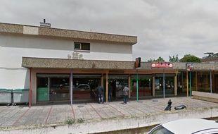 Le bar Le Papus, à Toulouse, où une fusillade a éclaté lundi en fin de journée, faisant un mort et un blessé grave.
