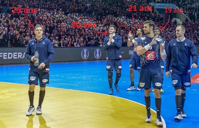 De gauche à droite, Kentin Mahé, Ludovic Fabregas, Nedim Remili et Valentin Porte (avec Tim N'Guessan et Dika Mem cachés derrière), la relève de l'équipe de France de handball.