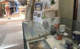 Quelques-uns des produits dérivés Un si grand soleil proposés par l'office de tourisme de Montpellier