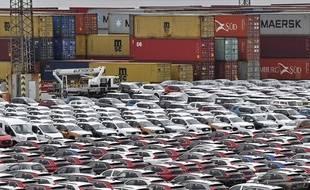 Des voitures destinées à l'exportation dans le port de Bremerhaven, en Allemagne, le 16 mai 2019.