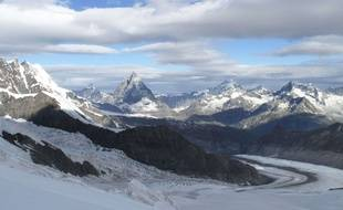 Le glacier du Cervin, à la frontière italo-suisse.