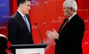 Le candidat à l'investiture républicaine pour la présidentielle, Mitt Romney, a tenté lundi de reprendre la main sur son adversaire Newt Gingrich, vainqueur de la dernière primaire, en l'accusant de lobbying lors d'un débat télévisé musclé à Tampa en Floride.