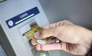 Le prix des cartes bancaires peut varier selon la banque et le département de 0 à 45 euros.