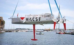 Mise à l'eau de l'IMOCA MACSF d'Isabelle Joschke, à Lorient le 21 mai 2020.