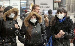 Les Ukrainiens vivent dans la peur du virus de la grippe A (H1N1).