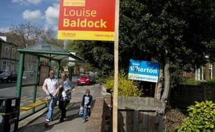 Propagande électorale pour les candidats des Travaillistes et des Conservateurs à Stockton-on-Tees, dans le nord-est de l'Angleterre, le 27 avril 2015
