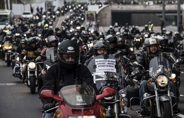 Manifestation de motards  Lyon le 10 octobre 2015,  l'appel de la FFMC.
