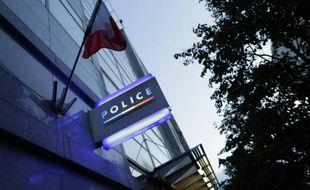 """Vue du commissariat de Police où le policier des """"Stups""""' soupçonné d'avoir volé 52 kg de cocaïne, est en garde à vue, le 2 août 2014"""