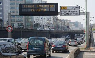 Le périphérique parisien lors d'une alerte pollution (illustration)..