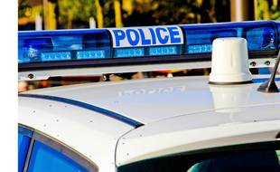 L'homme a été interpellé après son appartement à coups de hachoir et après avoir menacé de mort plusieurs fonctionnaires de police. Illustration..