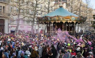 Plusieurs milliers de personnes s'étaient rassemblés en mars à  Marseille pour fêter le carnaval de la Plaine.
