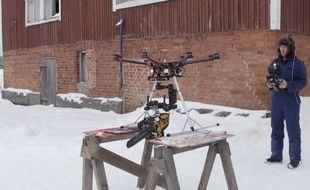 Ils construisent un drone-tronçonneuse ! - Le Rewind (vidéo)