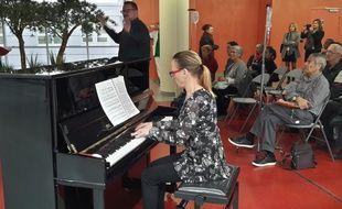 Un piano est désormais en libre-service à l'hôpital de la Timone à Marseille.