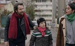 Edouard Baer, Tom Levy et Leïla Bekhti dans La lutte des classes de Michel Leclerc