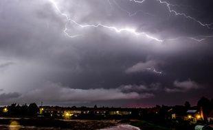 Un orage près de Godewaersvelde, dans le nord de la France, le 19 juillet 2014.