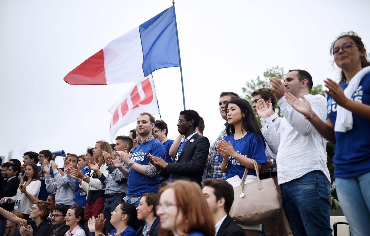 Des militants à l'université d'été des Républicains à la Baule / AFP PHOTO / JEAN-SEBASTIEN EVRARD – AFP