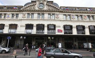 Departs de passagers a la gare Matabiau. Toulouse, France-25/08/2013
