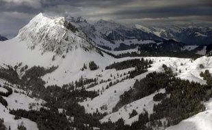 Sept skieurs ont été tués samedi par des avalanches dans les Alpes suisses en dépit des mises en garde des autorités