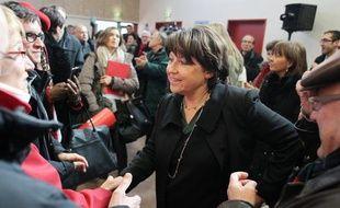 """Il y a trois mois, elle était son âpre rivale à la primaire. A 74 jours du premier tour, Martine Aubry, première secrétaire du Parti socialiste, s'est muée en """"première supportrice de François Hollande"""", presque thuriféraire du candidat PS mercredi à Reims."""