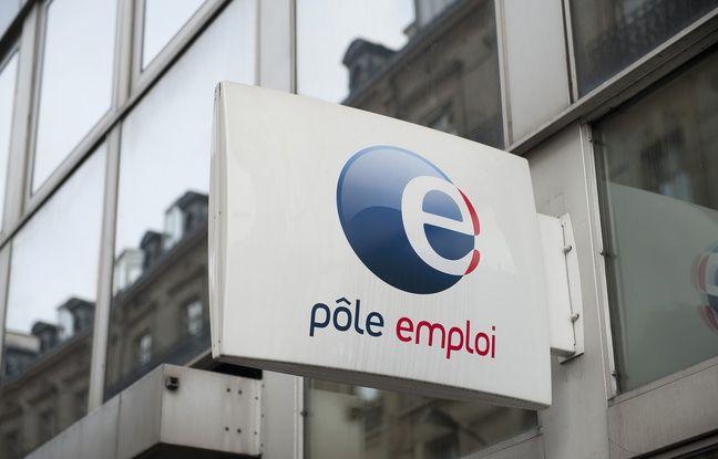 Paris le 14 fevrier 2012. Illustration logo agence pole emploi.